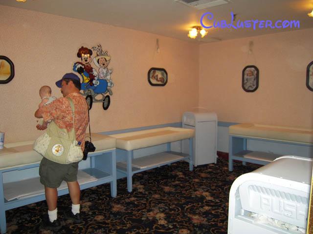 Cub Takes Mommy and Daddy to Walt Disney World